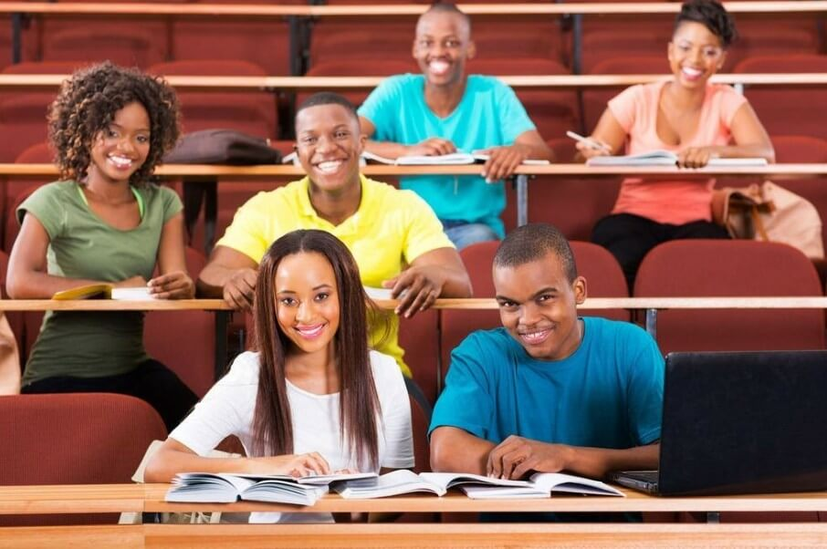 You are currently viewing Buhari increases students' stipend, teachers' salaries and elongates service year to 40